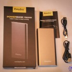 Packaging Easyacc PB8200M corded USB and micro-USB 8200mAh External power bank