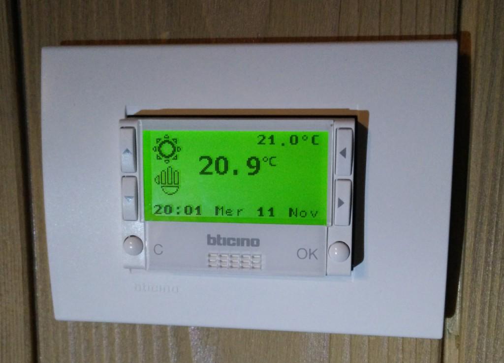 centrale de thermorégulation 4 zones Bticino 4695